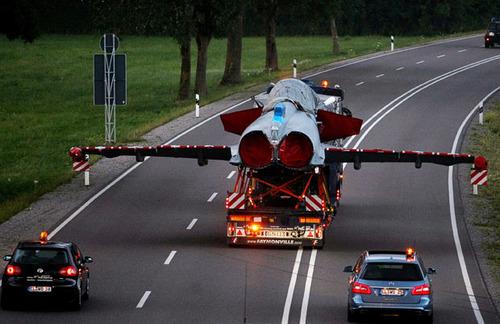 eurofighter-road_1678709i.jpg