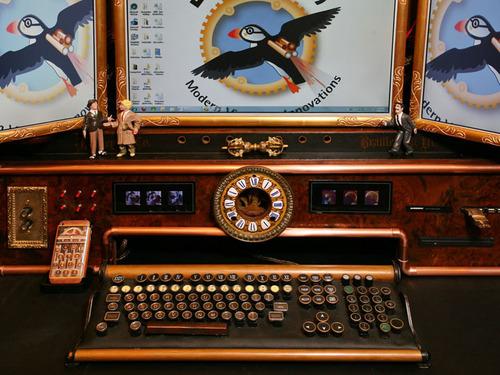 Desk-IMG_5484rt-OPS.jpg