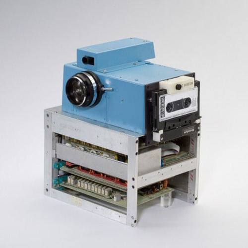 prototip-pervoj-cifrovoj-kamery-ot-KODAK.jpg