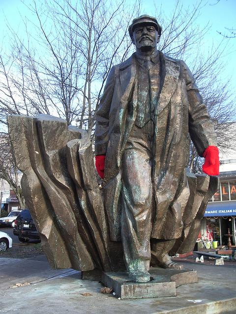 Ленин в варежках